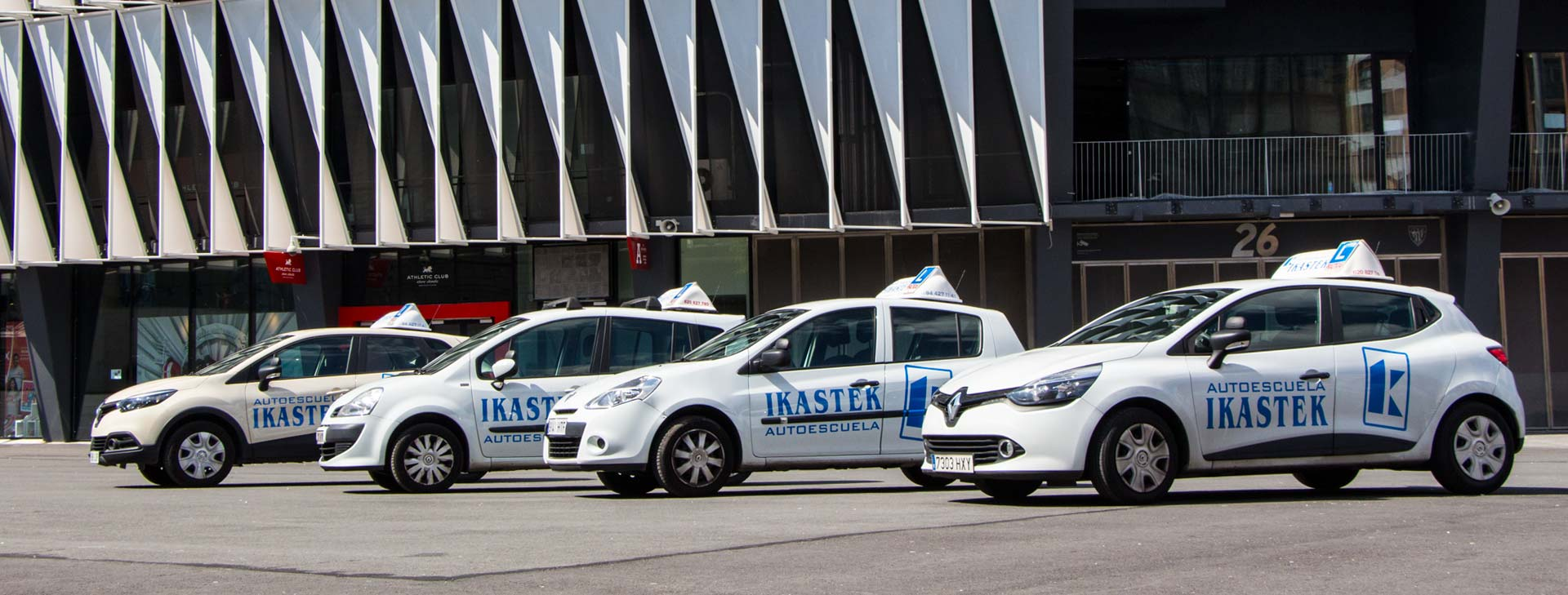flota de coches autoescuela ikastek bilbao clases practicas volante